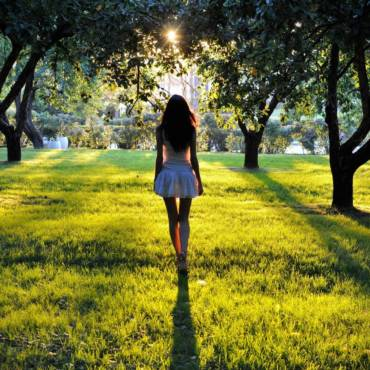 Letni niezbędnik kosmetyczny, czyli pielęgnacja na słoneczne miesiące