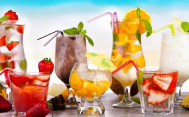 Zdrowe napoje na lato – co pić, aby nawodnić organizm